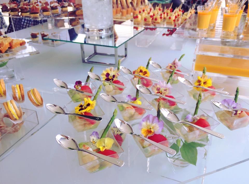 お花野菜エディブルフラワーでアミューズに美しい彩りを。(写真提供:Haruna Horiさん)